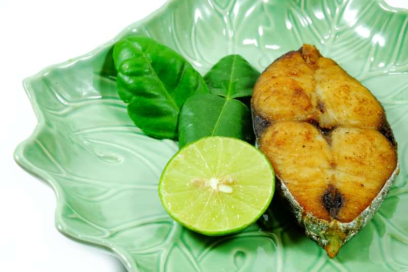jamaican fried king fish recipe, jamaican fish recipe, how to make fried fish, caribbean cuisine, caribbean food recipe